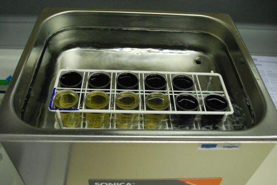 Utilizzo del bagno ad ultrasuoni sonica ultrasonic cleaner nel